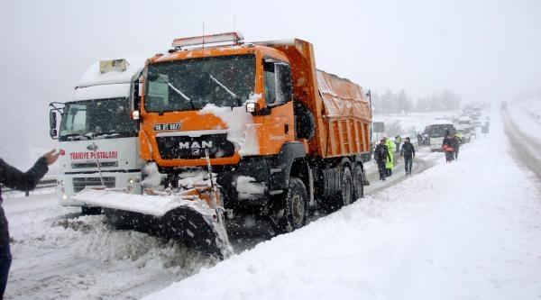 Bolu Daği'nda Yoğun Kar Yağişi (2)