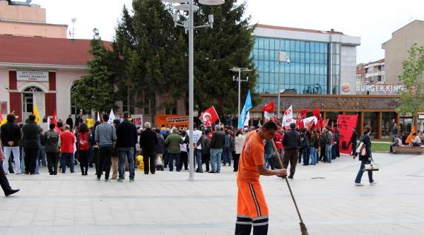 Bolu'da 1 Mayıs'ı Yağmur Altında Kutlandı