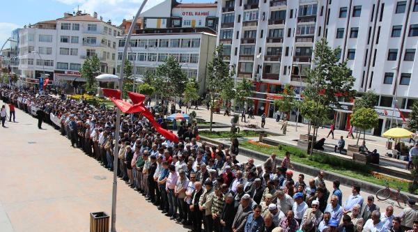 Bolu'da 2 Bin Kişi Maden Şehitleri İçin Cenaze Namazı Kıldı