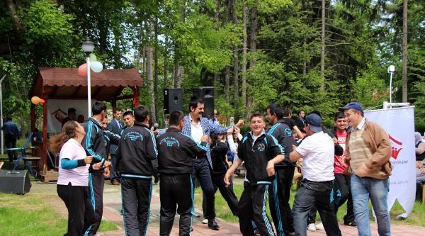 Bolu'da Engelli Çocuklar Ve Yaşlılar İçin Eğlence