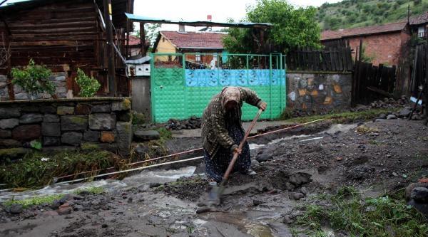 Bolu'nun İki Köyü Sular Altında Kaldı