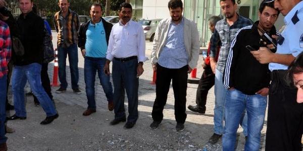 Bomba Paniği Yaratan Çantadan Dikiş Makinesi Çikti