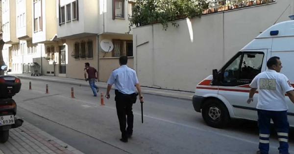 Bonzai İçen Genci Polis Linçten Kurtardı