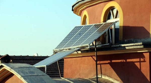 Borç Yüzünden Elektriği Kesilen Cami Kendi Enerjisini Üretmeye Başladi