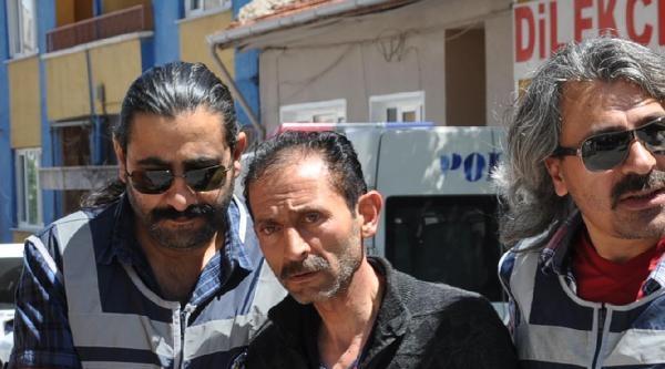 Boşanma Davaları Süren Eşini Öldüren Koca Tutuklandı
