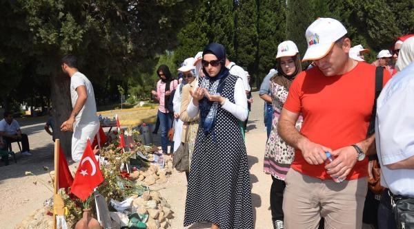Bosnalı Misafirlerden Madenci Mezarlarına Ziyaret