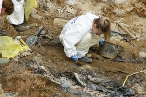 Bosna'nın en büyük toplu mezarı için farkındalık kampanyası...