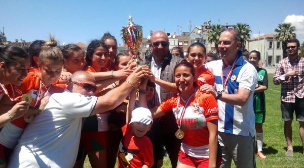 Bostanlıspor Türkiye Kadınlar Ragbi Şampiyonu