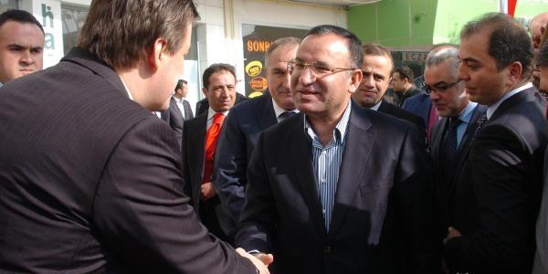 Bozdağ: Chp Ve Mhp 'öcü Siyaseti' Yapiyor