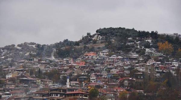Buldan'a Kar Yağdi