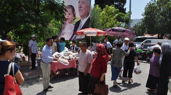 Buldan'da Chp'liler, Ekmeleddin İçin Ekmek Dağıttı