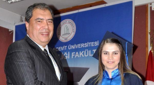 Bülent Ecevit Üniversitesi Diş Hekimleri Fakültesi İlk Mezunlarını Verdi