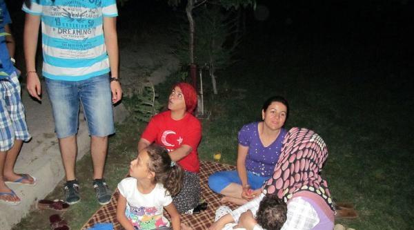 Burdur, 4.8 Büyüklüğünde Depremle Sallandı (ek Fotoğraflar)