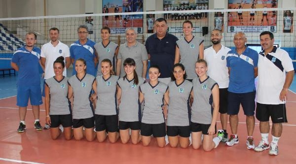 Bursa Büyükşehir Belediyespor Voleybolda Sezon Açtı