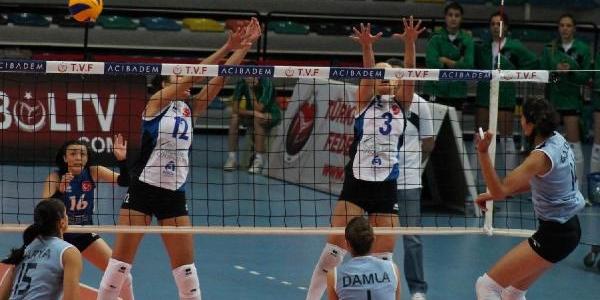 Bursa Büyükşehir-Sariyer: 3-0 (Kadinlar 1'inci Voleybol Ligi)