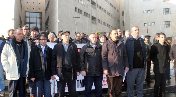 Bursa'Da 1 Mayis Davasi Saniklarina Ilk Duruşmada Beraat