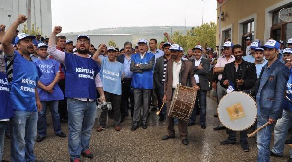 Bursa'da 2 Fabrikada Şişecam İşçileri Greve Başladı