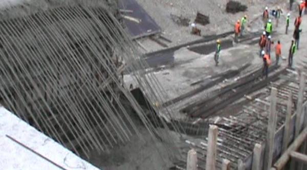 Bursa'da Çevre Yolu Inşaatinda Iskele Çöktü, 6 Işçi Yaralandi