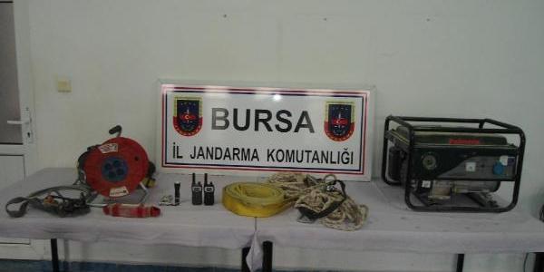 Bursa'da Kaçak Define Kazisina 3 Gözalti