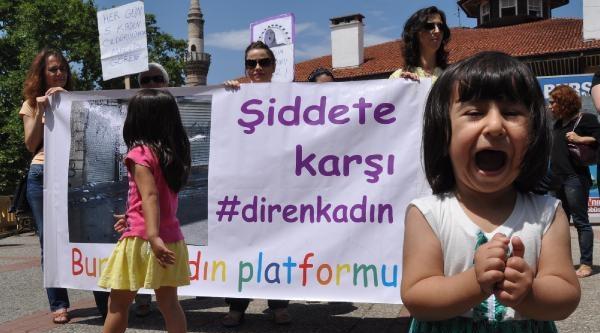 Bursa'da Kadın Cinayetlerini Protesto Eylemi
