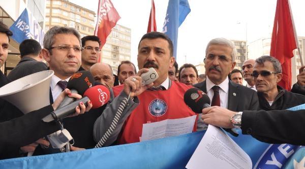 Bursa'da Memurlar Maaş Bordrolarini Yakti