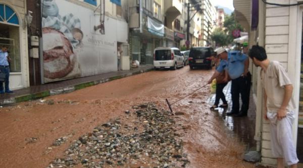 Bursa'da Sağanak Yağış, Su Baskınlarına Neden Oldu - Ek Fotoğraf