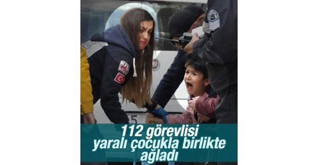 Bursa'da sağlık görevlisi yaralı çocukla birlikte ağladı