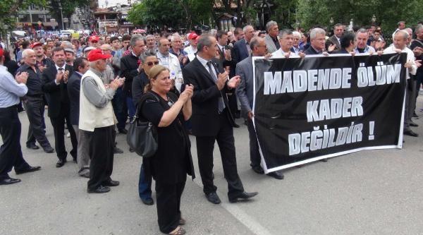 Bursa'da Soma İşçilerine Destek Eylemi