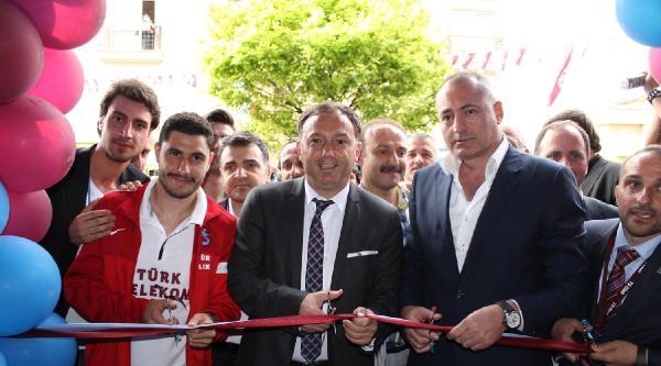 Bursa'da Trabzonspor Mağazasına Kemençeli Açılış