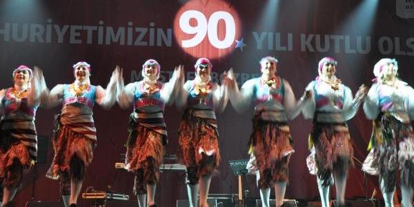 Bursalilar Cumhuriyet Için Yürüdü (Ek Fotoğraf)