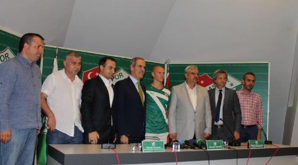 Bursaspor Holmen'le İmzaladi