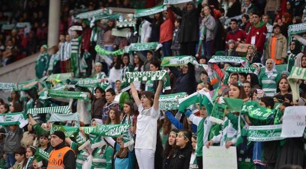Bursaspor Kadın Taraftarları Önünde Maç Kaybetmiyor