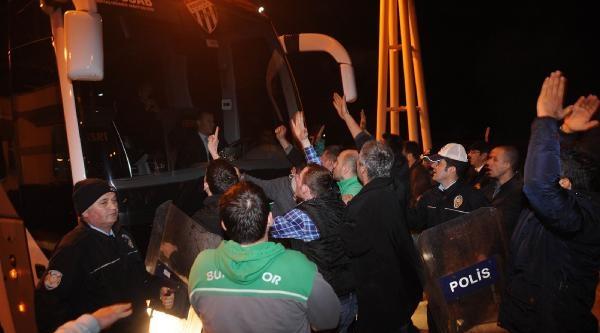 Bursaspor Taraftarının Tepkisi Sürüyor