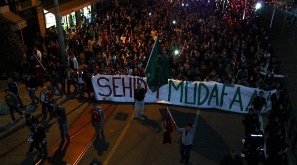 Bursaspor Taraftarları Şehitler İçin Yürüdü