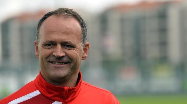 Bursaspor Teknik Direktörü Buz: