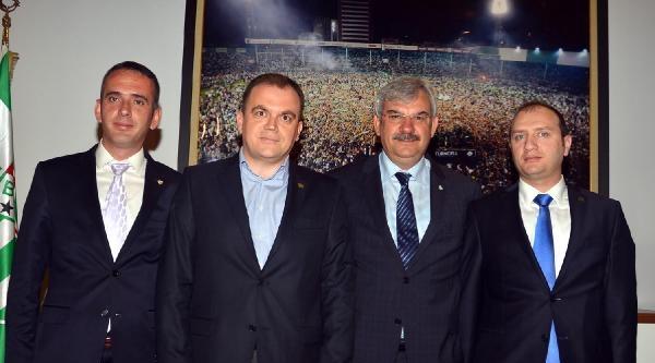 Bursaspor Yönetimine Ziyaretçi Akını