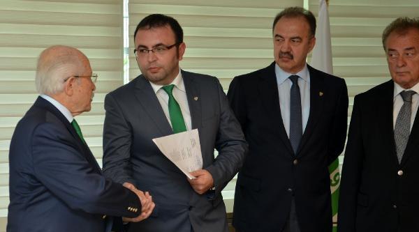 Bursaspor'da Başkan Adayları Listeleri Verdi