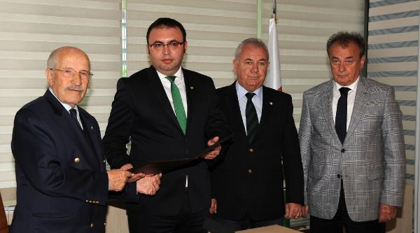 Bursaspor'da Cüneyt Özkan'da Başkan Adayı