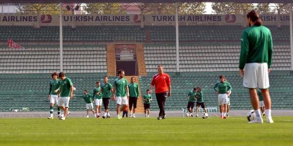 Bursaspor'da Fenerbahçe Maçi Hazirliklari Sürüyor