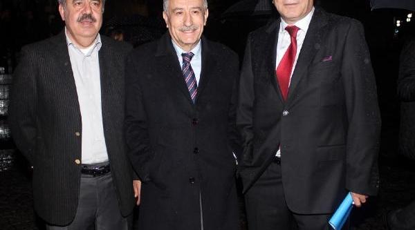 Bursaspor'da Yolsuzluk Davasindan Tüm Saniklar Beraat Etti