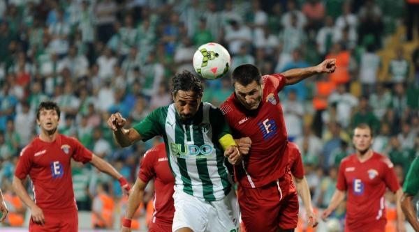 Bursasporlu Futbolcular Turu Geçeceklerine İnaniyor