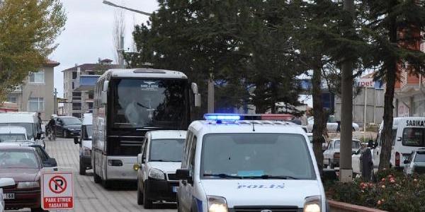 Bursasporlular Sivas'a Giderken Yozgat'Ta Olay Çikti