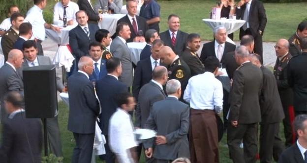 Büyük Zafer Azerbaycan'da Da Kutlandı