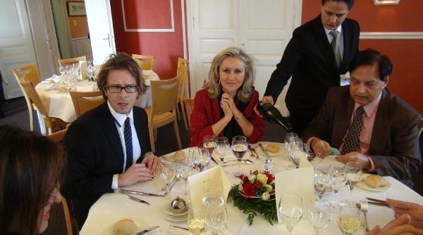 Büyükelçiden Yabancı Gazetecilere Teşekkür