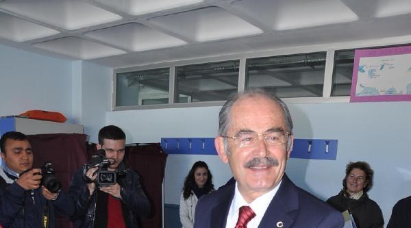 Büyükerşen Oyunu Kullanırken Gecikti, Karacan Mührü Taşırdı
