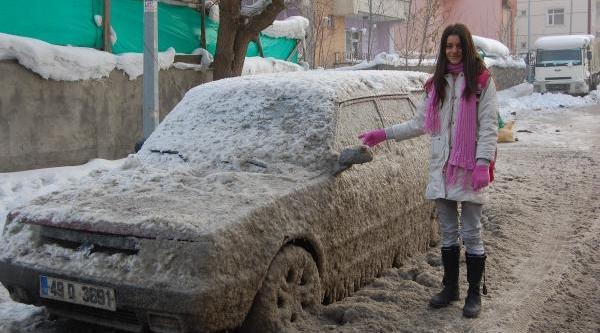 Buzdan Otomobil