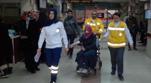 Çadir Kentte Barinan Suriyeli Kiz, Intihara Kalkişti