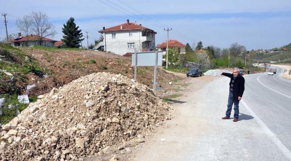 Çakil Yığınına Çarpan Otomobil Bahçeye Uçtu: 2 Ölü /ek Fotoğraflar