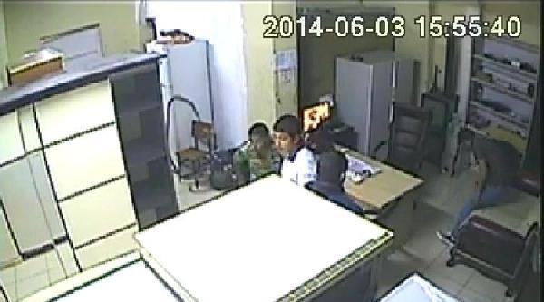 Çaldiklari Televizyonu Satarken Yakalandılar