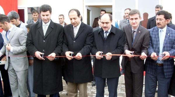 Çaldiran'da Kurulan Diyaliz Ünitesi Törenle Açıldı